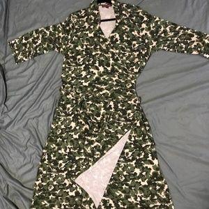 JESSICA LONDON Faux Wrap Maxi Dress.